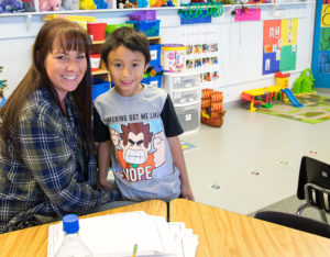Des Moines Elementary Teacher and Student
